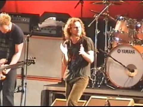 Rockin in the Free World - Pearl Jam Live in Athens