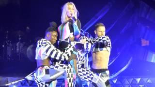 Ellie Goulding - Keep On Dancin', Don't Need Nobody (HD) @ Max-Schmeling-Halle Berlin 22.01.16