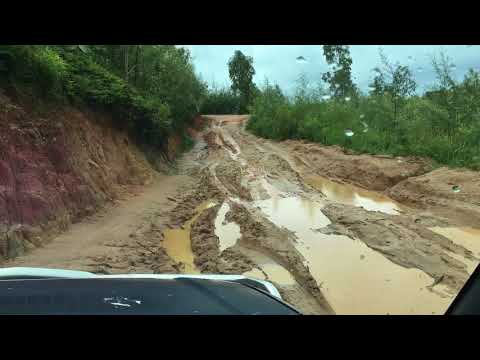 Muddy roads in Madagascar - Mora Travel