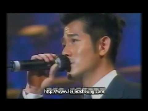 2003年香港電影金像獎上,四大天王合體獻唱《當年情》懷念哥哥