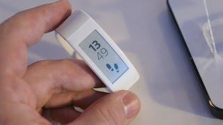 демо Sony SmartBand Talk: браслет с экраном (preview)