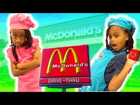 Fun Sisters Pretend Play McDonald's Drive Thru Kitchen!