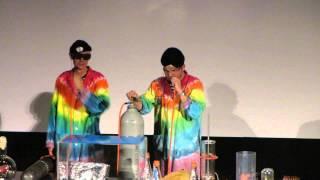 Шоу Доктора Хала: понижение и повышение голоса газом