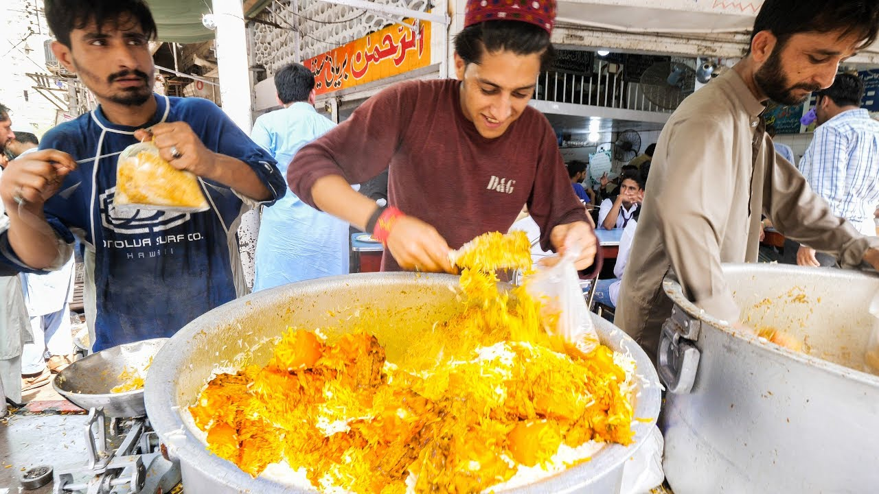 Snapshots of Ramadan across Asia reveal changing lives of