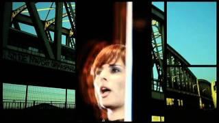 Loane - Rien de commun [Official Music Video]