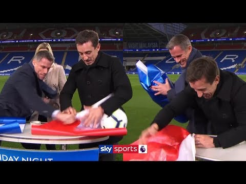 Jamie Carragher v Gary Neville in HILARIOUS present wrapping challenge! 😂