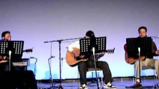 2009年12月21日の佐渡アコースティック・フェスティバルでの模様です。 くいなにギター...