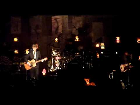 Crowded House - Into Temptation Live @ Vorst Nationaal Belgium 2010