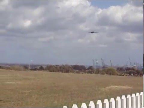 UAE Air Force Iomax Thrush S2R-660 landing runway 31