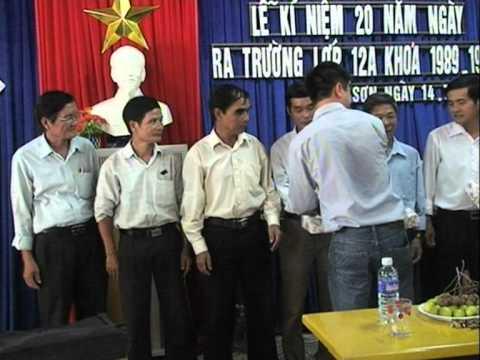 Video Clip họp lớp 12A do Đài Phát thanh truyền hình Quế Sơn thực hiện