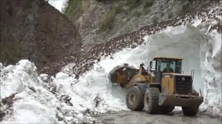 Лавина . Зругское ущелье.Северная Осетия-Алания.