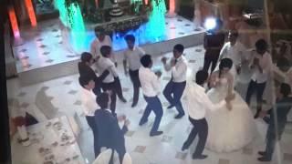 Жених танцор