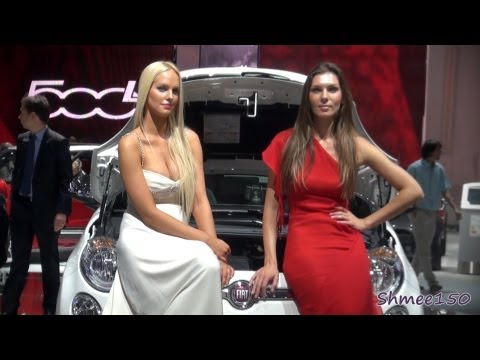 GIRLS of the 2012 Paris Motor Show
