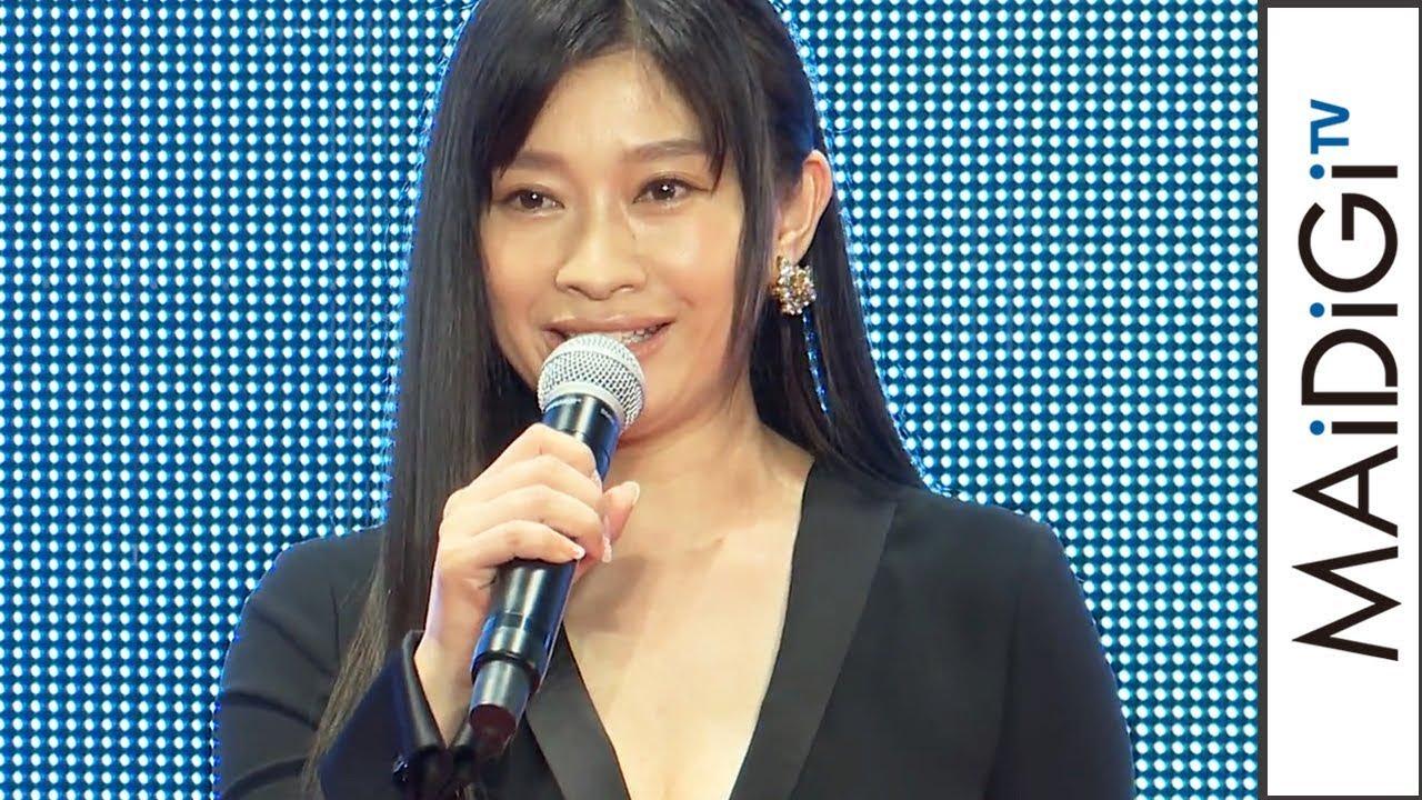 篠原涼子、肌見せ黒ロングドレスで魅了 美デコルテも 映画「人魚の眠る家」ワールドプレミア1