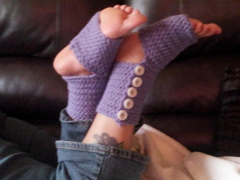 Crochet Tutorial - Button Up Yoga Socks Pt. 1 - YouTube