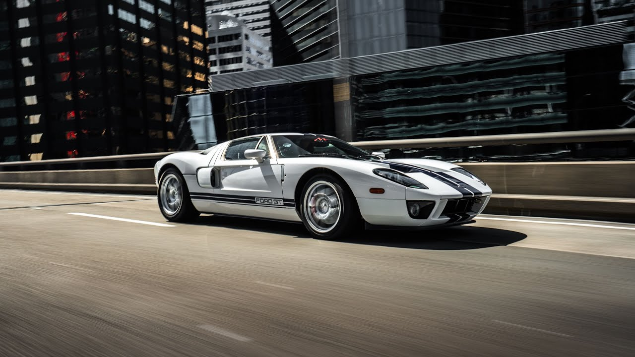 Ultimate American Muscle - FORD GT ripping through the streets of Sydney