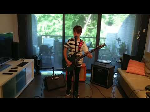 Hollis Bayl-Smith (13/07/2006) - Hit me with your best shot (Guitar and Vocals)