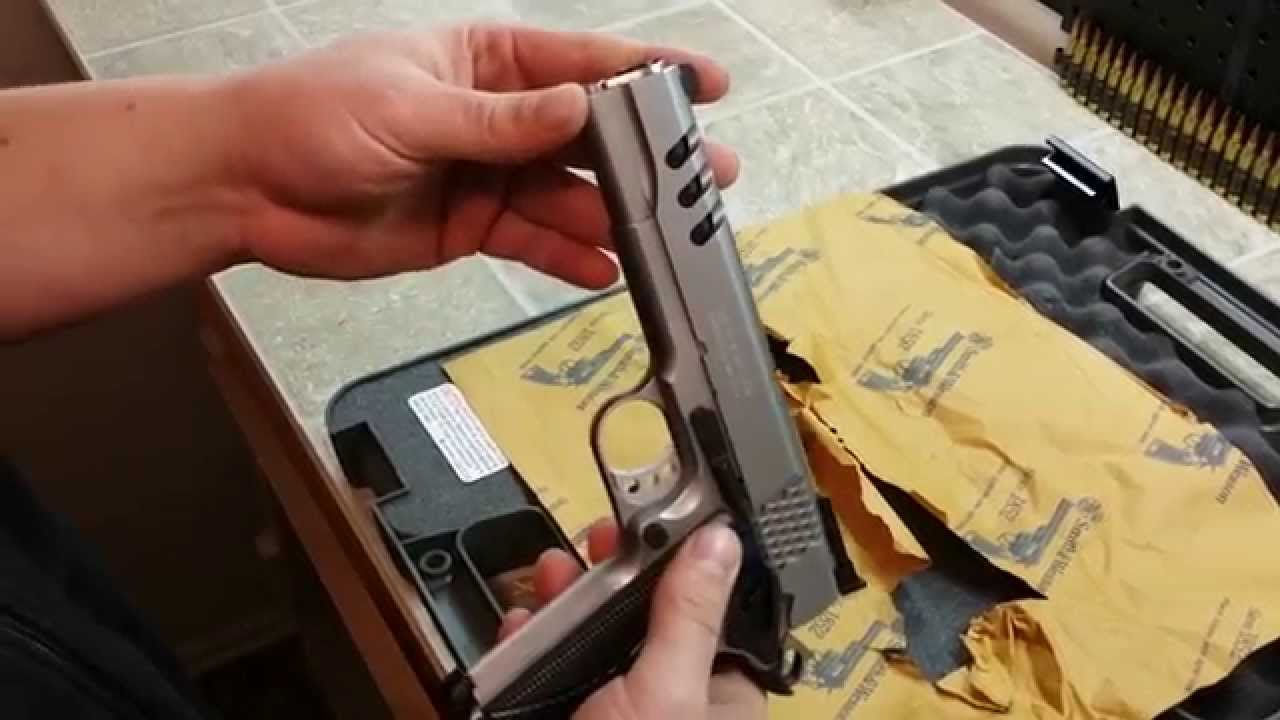 Smith and Wesson 1911 Performance center unboxing - YouTube