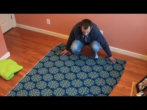how-to-make-a-fleece-tie-blanket