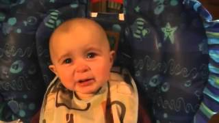 "Video Emotional Baby Is Moved To Tears By Mom's Singing ""woow"" download MP3, 3GP, MP4, WEBM, AVI, FLV Juli 2018"