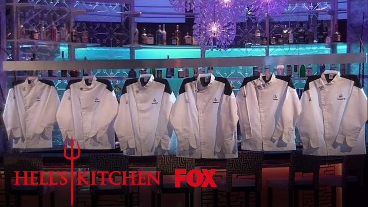 Gordon Ramsay Reveals The Black Jackets Season 16 Ep 13 Hell S Kitchen