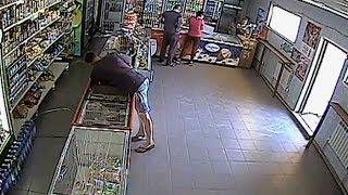 Полиция разыскивает грабителя из продуктового магазина