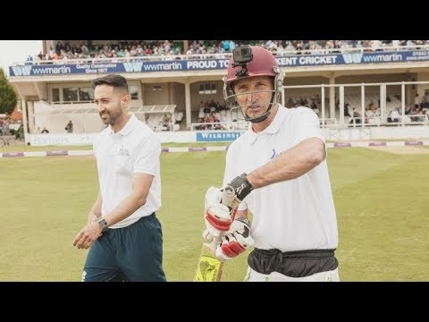 Bowling to Nasser Hussain -  Part 2
