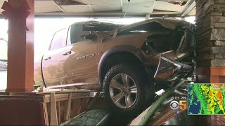Car Smashes Into Sizzler In Hayward, Injures 5