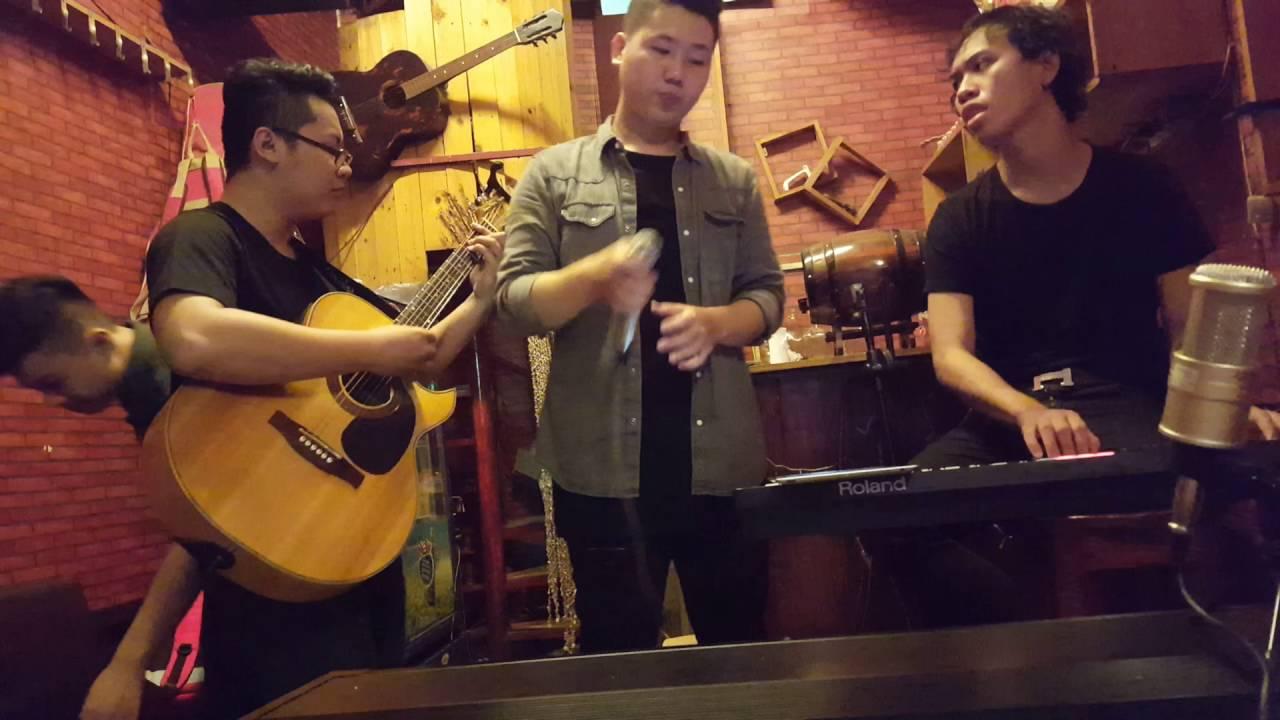 Tháng 4 Là Lời Nói Dối Của Em – Hà Anh Tuấn (cover by Circle Band)