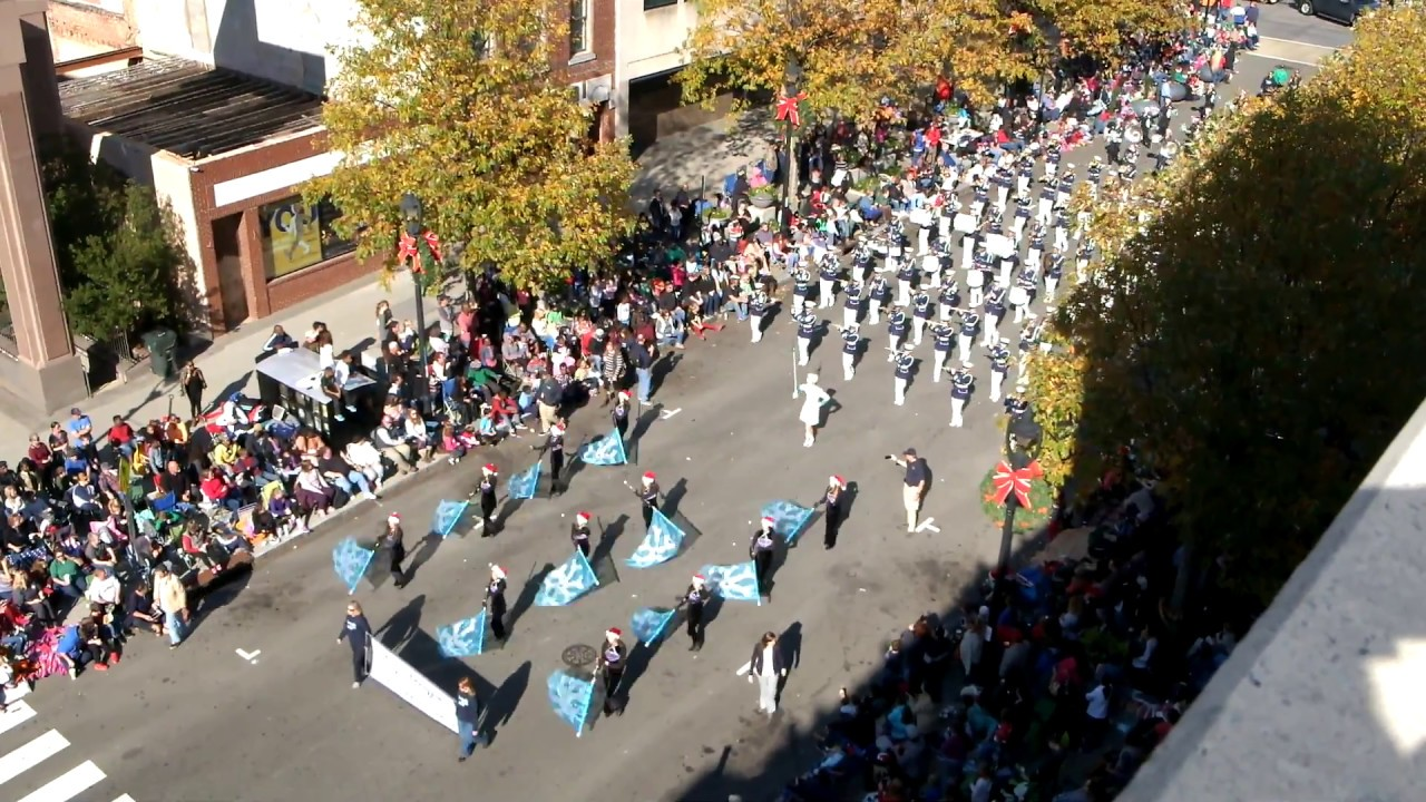 leesville road hs marching band in raleigh christmas parade 2016