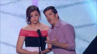 Chloë Grace Moretz & Chris Mintz-Plasse Presenting Selena Gomez with a 2013 Teen Choice Award thumbnail