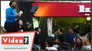 بيع الكتب بالمزاد العلنى بمعرض القاهرة الدولى للكتاب