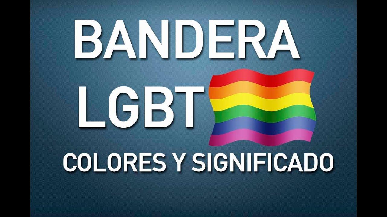 Se colocaron en un edificio en el Zócalo capitalino para conmemorar el mes de la diversidad sexual