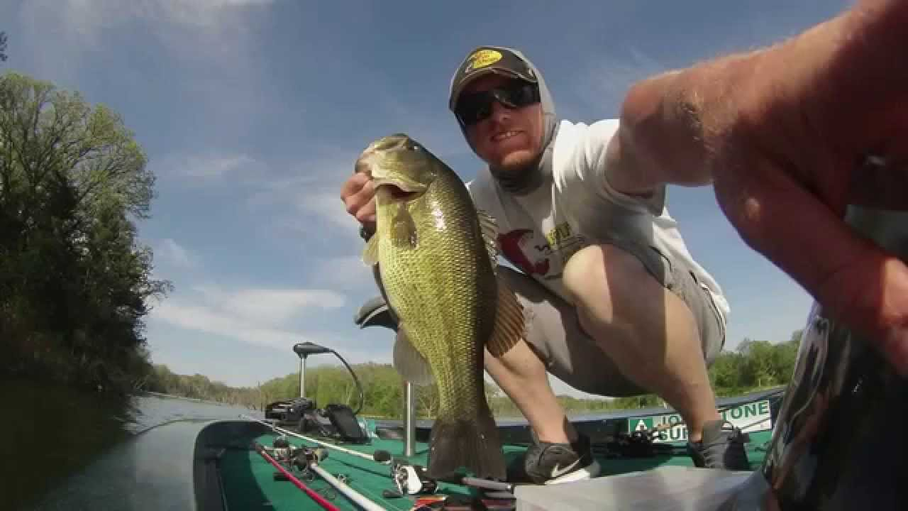 Brushy creek bass fishing youtube for Iowa out of state fishing license