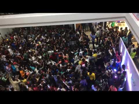Emraan Hashmi grand entry on  podium mall tolichowki Hyderabad