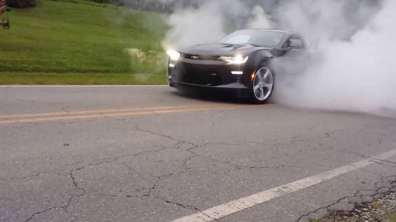 2016 SS Camaro burnout - YouTube