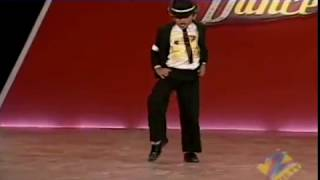Amazing 7 year old on Dance India Dance