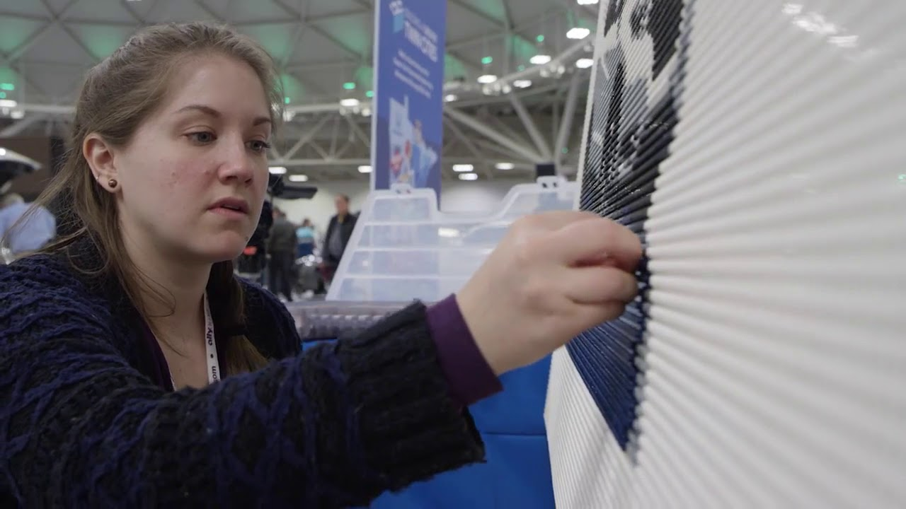 Time lapse - building a LEGO mural for Honda (#1 of 2 ...