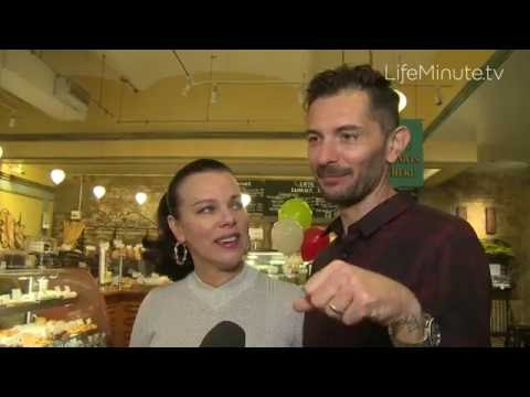 Debi Mazar and Husband, Gabriele Corcos Partner with Amy's Bread to help Food Bank For NYC