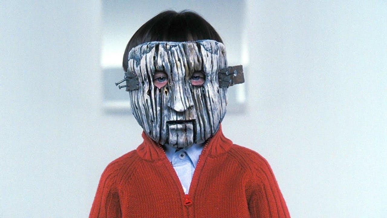 男孩从小不生病,所有动物都怕他,原来他并不是人类!