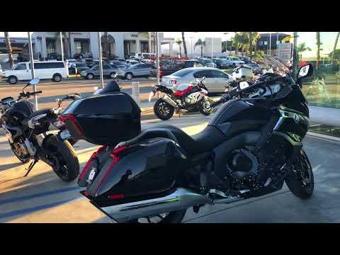 MotoVlog: Dạo tham quan cửa hàng và xe BMW moto ở Mỹ (Long Beach, California)