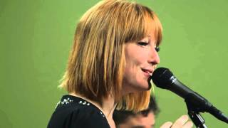 Watch Leigh Nash Baby Its Cold Outside video