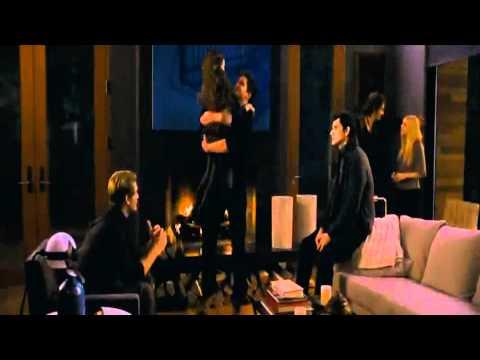 Twilight - Chapitre 4 - Part 2 (3D) - Bande-Annonce 4 VF - Au Cinéma Le 14-11-12 [HD] poster