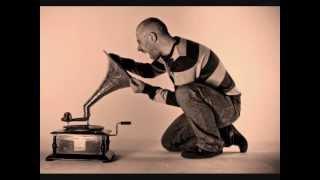 Riva Starr feat. Vinicio Capossella - Si è spento il sole (2013)