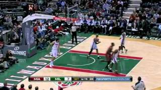 Carlos Arroyo - Assist to Lebron (Heat vs Bucks)