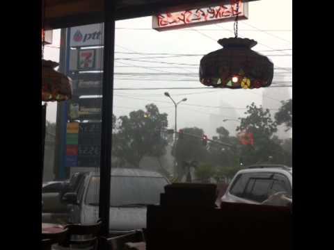 Start of typhoon luis in port area manila