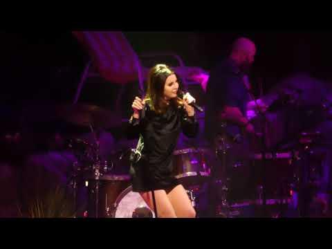 """""""Cherry & Scarborough Fair"""" Lana Del Rey@Capital One Arena Washington DC 1/25/18"""