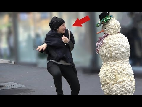 SCARY SNOWMAN PRANK 2018 - Hidden Camera Practical Joke