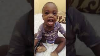 Un bébé qui parle de Aidi Aida Alou le fou