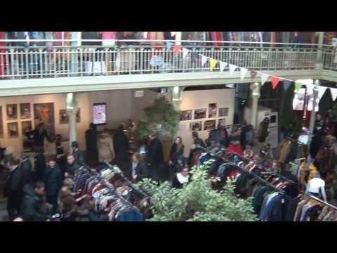 Brussels Vintage Market ambiance